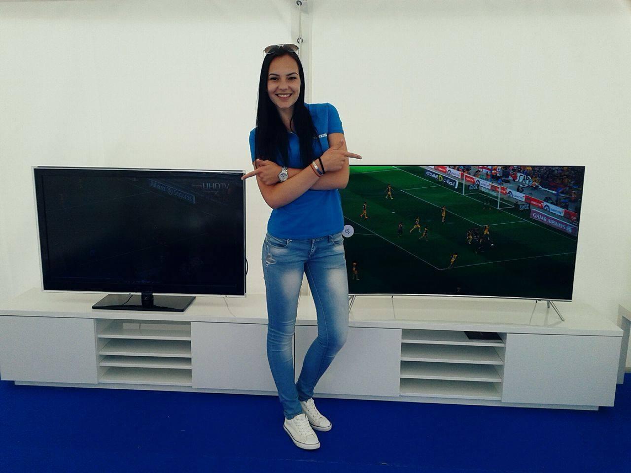 e7438cfae promo Samsung TV · Tullamore tour · promo Samsung 3D okuliarov
